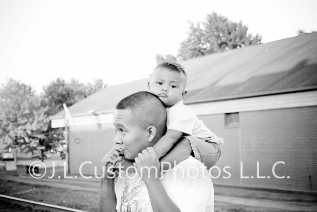 Family photography photos greenfield indiana fortville indiana indianapolis indiana lifestyle affordable portrait portraits J.L.CustomPhotos Jessica Legler J L Custom Photos