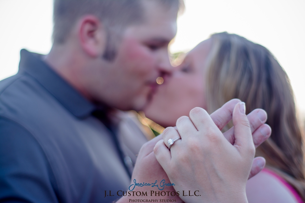 Bloomington Greenfield IN Indiana University  Engagement Wedding Photographer Oliver Winery Summer Bride Groom -12