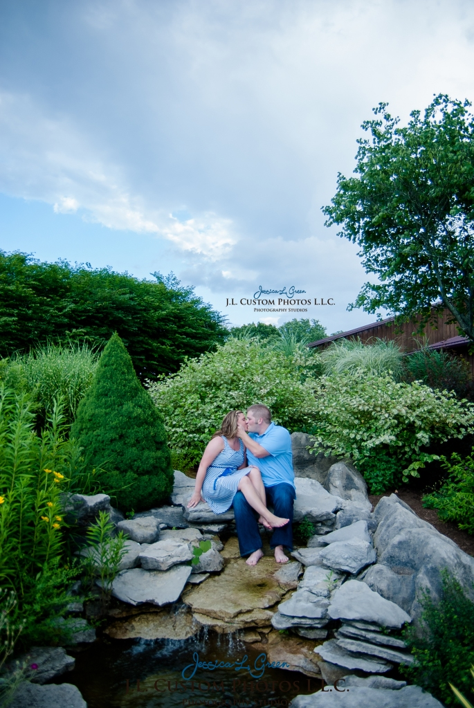 Bloomington Greenfield IN Indiana University  Engagement Wedding Photographer Oliver Winery Summer Bride Groom -16