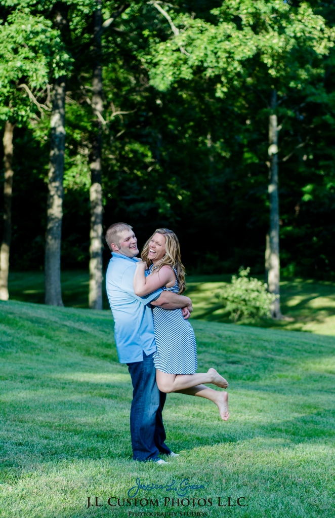 Bloomington Greenfield IN Indiana University  Engagement Wedding Photographer Oliver Winery Summer Bride Groom -2