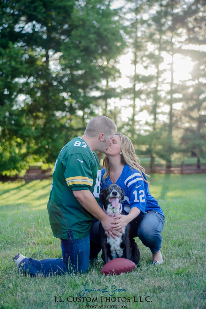 Bloomington Greenfield IN Indiana University  Engagement Wedding Photographer Oliver Winery Summer Bride Groom -4