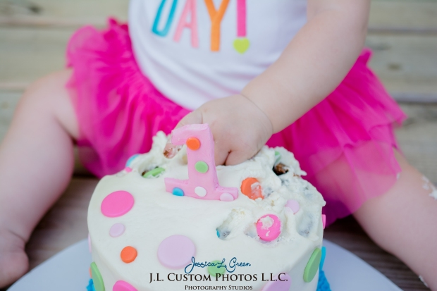 J.L.CustomPhotos Greenfield, IN Indiana 46140 Baby One Year Old Photographer Cake Smash Pink Tutu American Flag Family Jessica Green Photography-19
