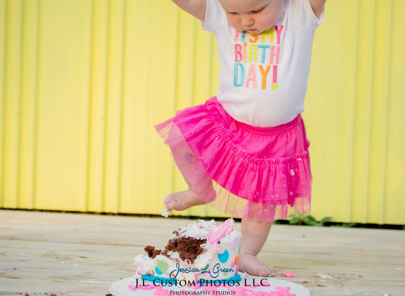 J.L.CustomPhotos Greenfield, IN Indiana 46140 Baby One Year Old Photographer Cake Smash Pink Tutu American Flag Family Jessica Green Photography-21