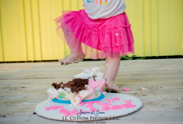J.L.CustomPhotos Greenfield, IN Indiana 46140 Baby One Year Old Photographer Cake Smash Pink Tutu American Flag Family Jessica Green Photography-22