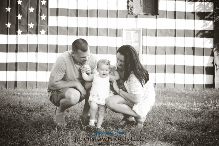 J.L.CustomPhotos Greenfield, IN Indiana 46140 Baby One Year Old Photographer Cake Smash Pink Tutu American Flag Family Jessica Green Photography-4