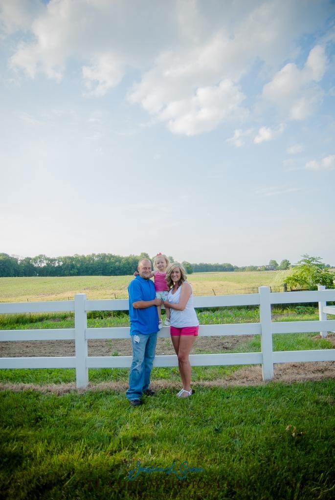 J.L.CustomPhotos Jessica Green Photography Greenfield Indiana 46140  Family Photographer Farm Summer-11