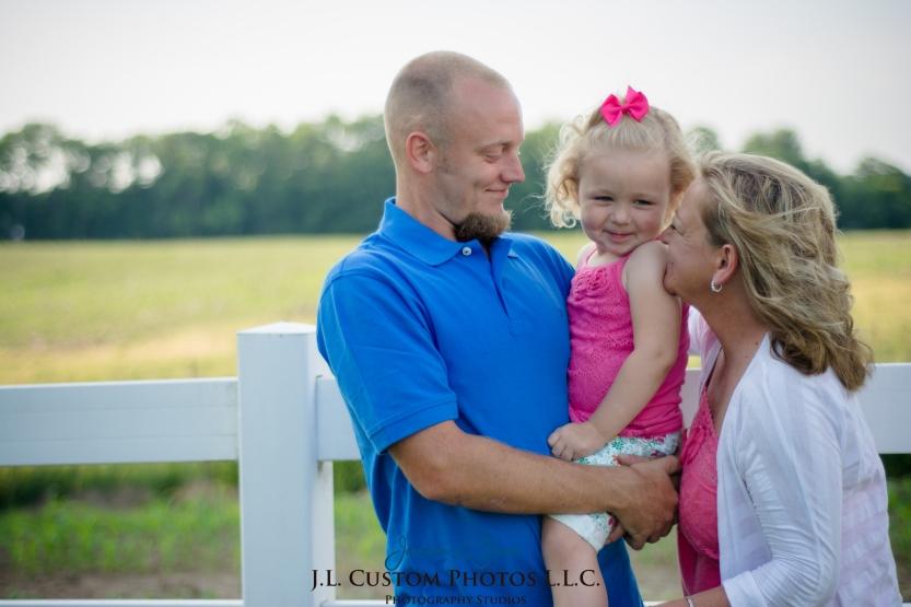 J.L.CustomPhotos Jessica Green Photography Greenfield Indiana 46140  Family Photographer Farm Summer-7