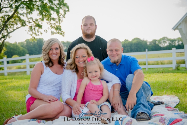 J.L.CustomPhotos Jessica Green Photography Greenfield Indiana 46140  Family Photographer Farm Summer-9