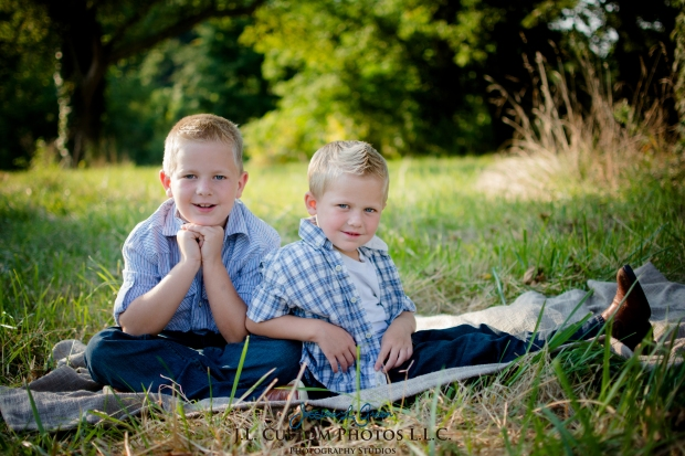 Greenfield IN Family Photographer J.L.CustomPhotos Farm Knightstown Rustic Cowboy Jessica Green Photography-1