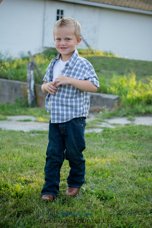 Greenfield IN Family Photographer J.L.CustomPhotos Farm Knightstown Rustic Cowboy Jessica Green Photography-9