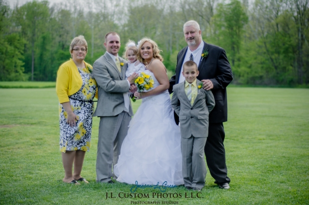 Greenfield IN wedding Photographer J.L.CustomPhotos Jessica Green Boondocks Farms  Knightstown Bride Groom Photography -30