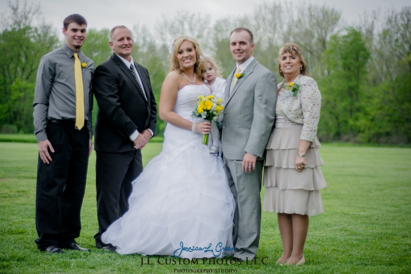 Greenfield IN wedding Photographer J.L.CustomPhotos Jessica Green Boondocks Farms  Knightstown Bride Groom Photography -31