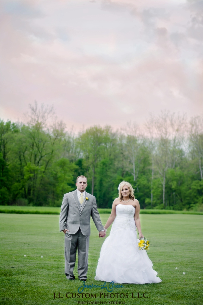Greenfield IN wedding Photographer J.L.CustomPhotos Jessica Green Boondocks Farms  Knightstown Bride Groom Photography -39