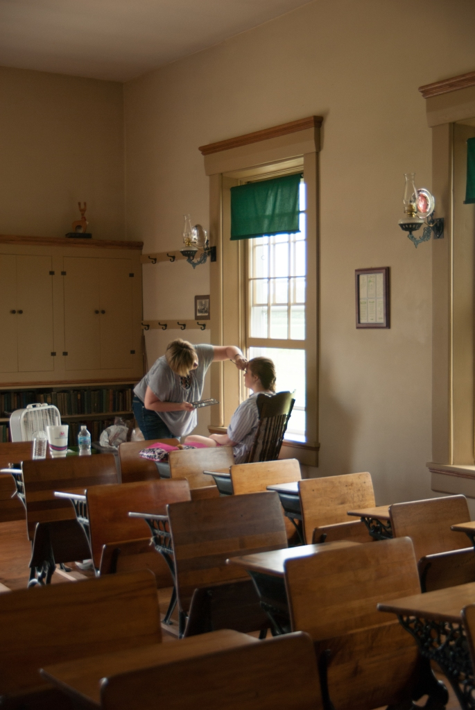 Greenfield, IN Wedding Photographer J.L.CustomPhotos Jessica Green Photography Rustic School House DIY Bride Groom Lace Burlap Vintage-75