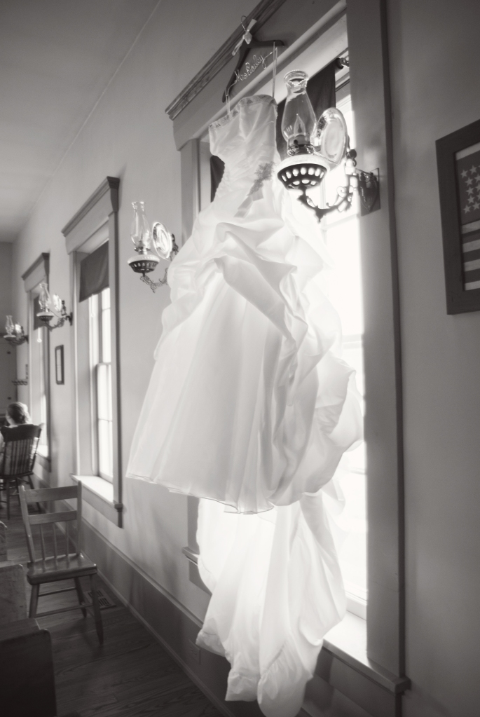 Greenfield, IN Wedding Photographer J.L.CustomPhotos Jessica Green Photography Rustic School House DIY Bride Groom Lace Burlap Vintage-76
