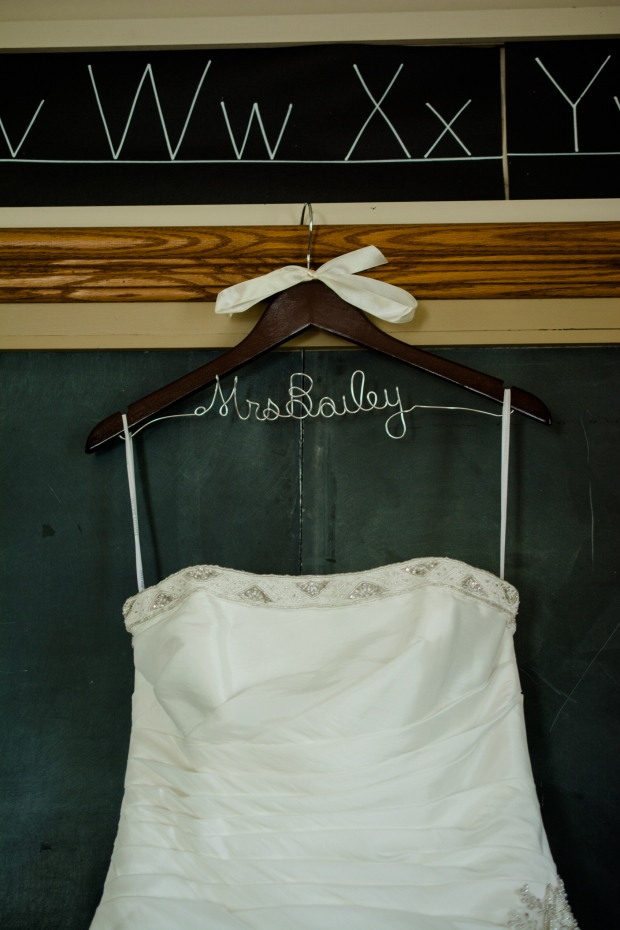 Greenfield, IN Wedding Photographer J.L.CustomPhotos Jessica Green Photography Rustic School House DIY Bride Groom Lace Burlap Vintage-8