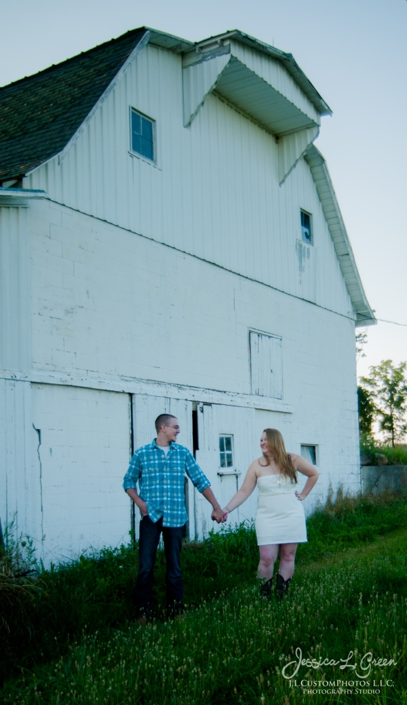 J.L.CustomPhotos Barn Engagement Session Knightstown Indiana wedding photographer-6592