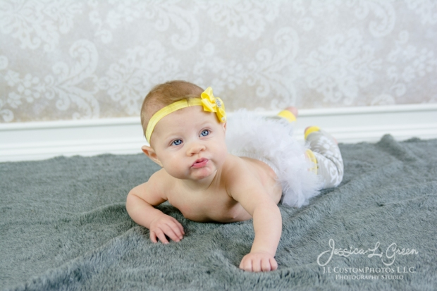 Greenfield, Photographer, J.L.CustomPhotos, Child, Baby girl, Indiana, six month, piano, portraits, Shelbyville, Knightstown-7241