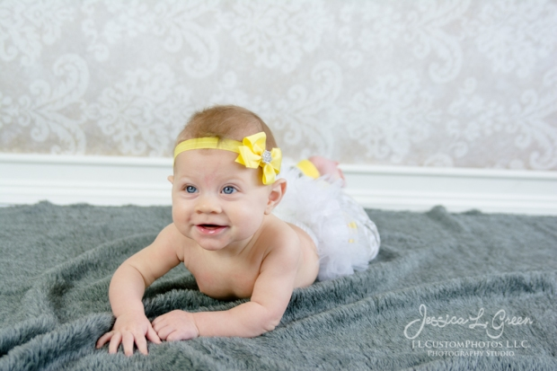 Greenfield, Photographer, J.L.CustomPhotos, Child, Baby girl, Indiana, six month, piano, portraits, Shelbyville, Knightstown-7246