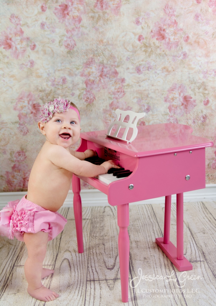 Greenfield, Photographer, J.L.CustomPhotos, Child, Baby girl, Indiana, six month, piano, portraits, Shelbyville, Knightstown-7428