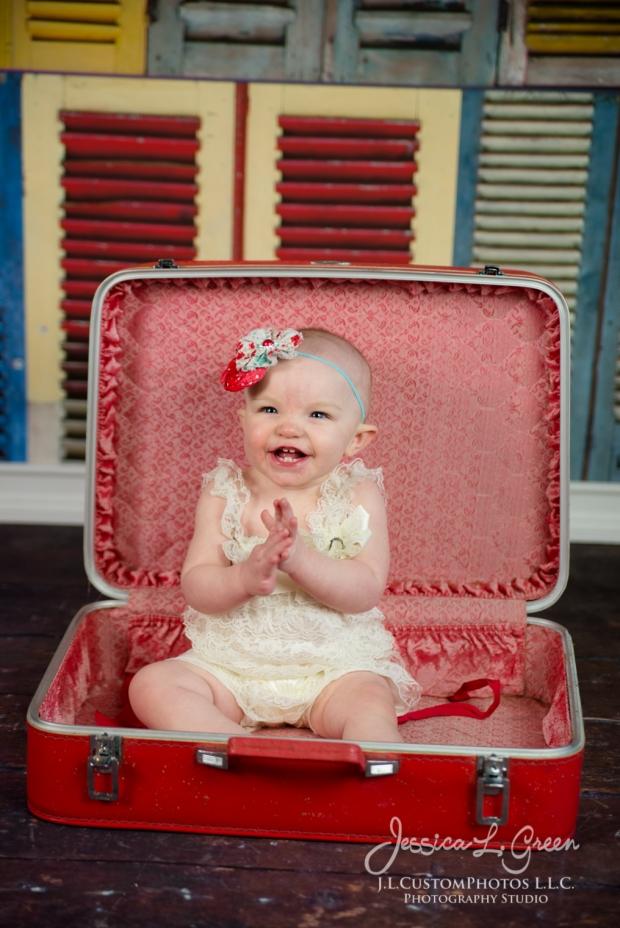 Greenfield, Photographer, J.L.CustomPhotos, Child, Cake Smash, Baby girl, Indiana, one year, portraits-2-2