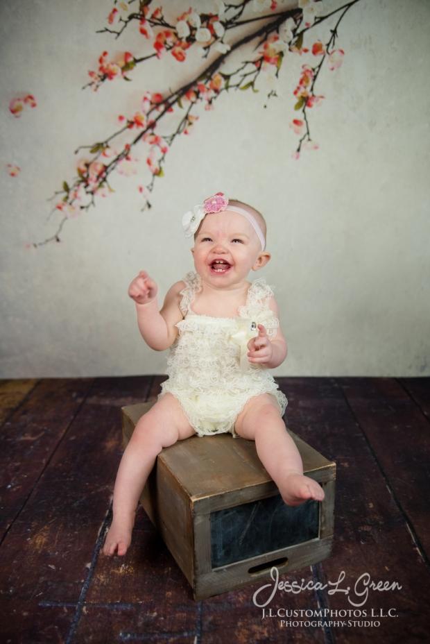 Greenfield, Photographer, J.L.CustomPhotos, Child, Cake Smash, Baby girl, Indiana, one year, portraits-2-4