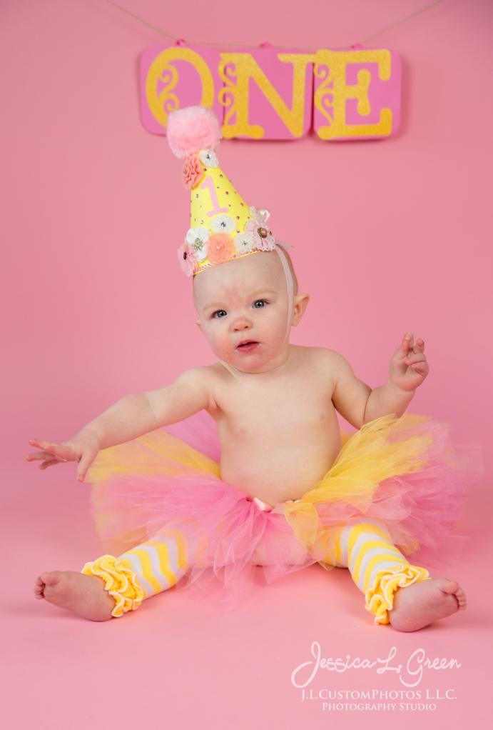 Greenfield, Photographer, J.L.CustomPhotos, Child, Cake Smash, Baby girl, Indiana, one year, portraits-2-5
