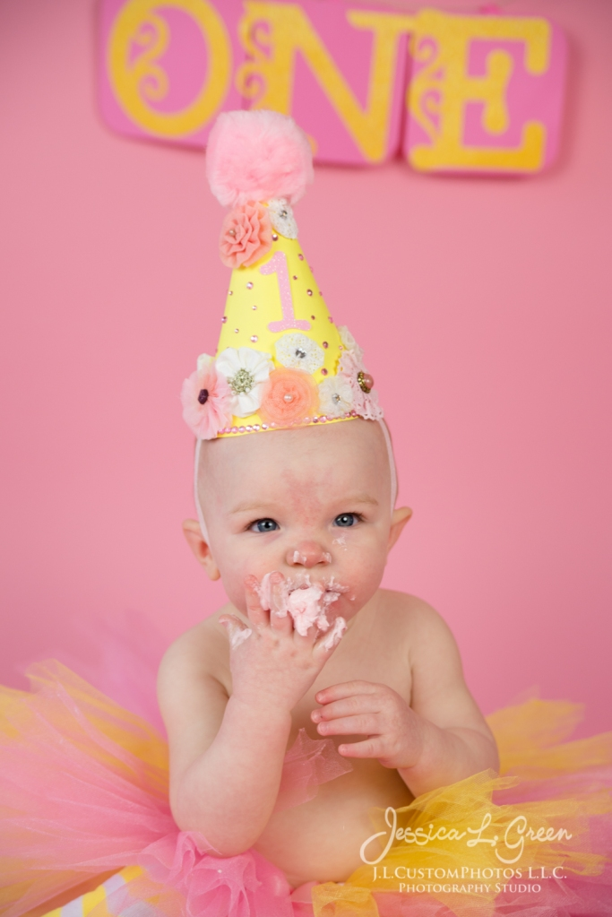 Greenfield, Photographer, J.L.CustomPhotos, Child, Cake Smash, Baby girl, Indiana, one year, portraits-2-6