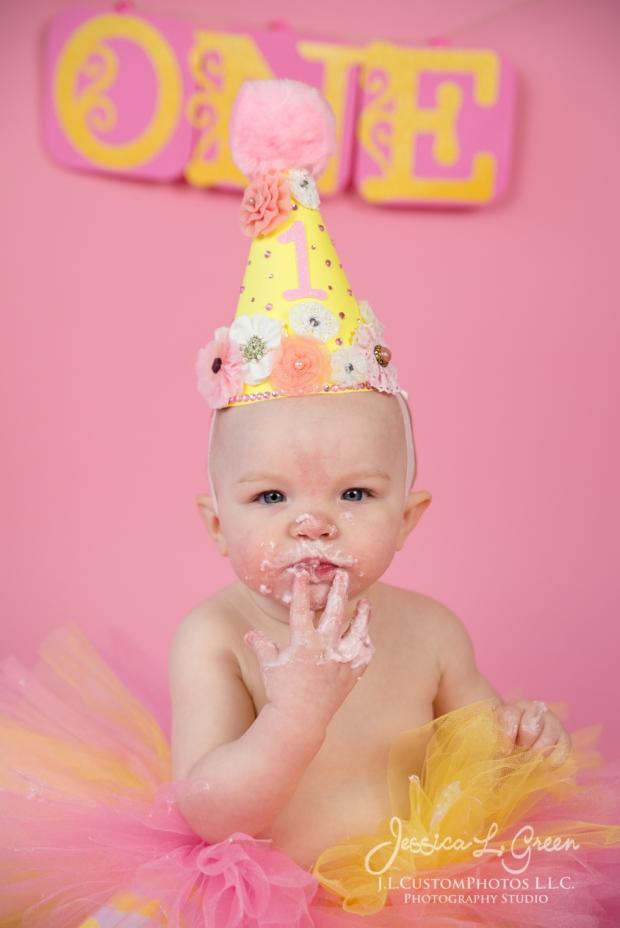 Greenfield, Photographer, J.L.CustomPhotos, Child, Cake Smash, Baby girl, Indiana, one year, portraits-2-7