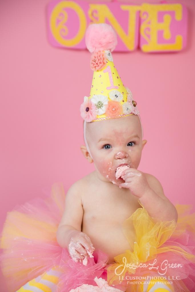 Greenfield, Photographer, J.L.CustomPhotos, Child, Cake Smash, Baby girl, Indiana, one year, portraits-2-8
