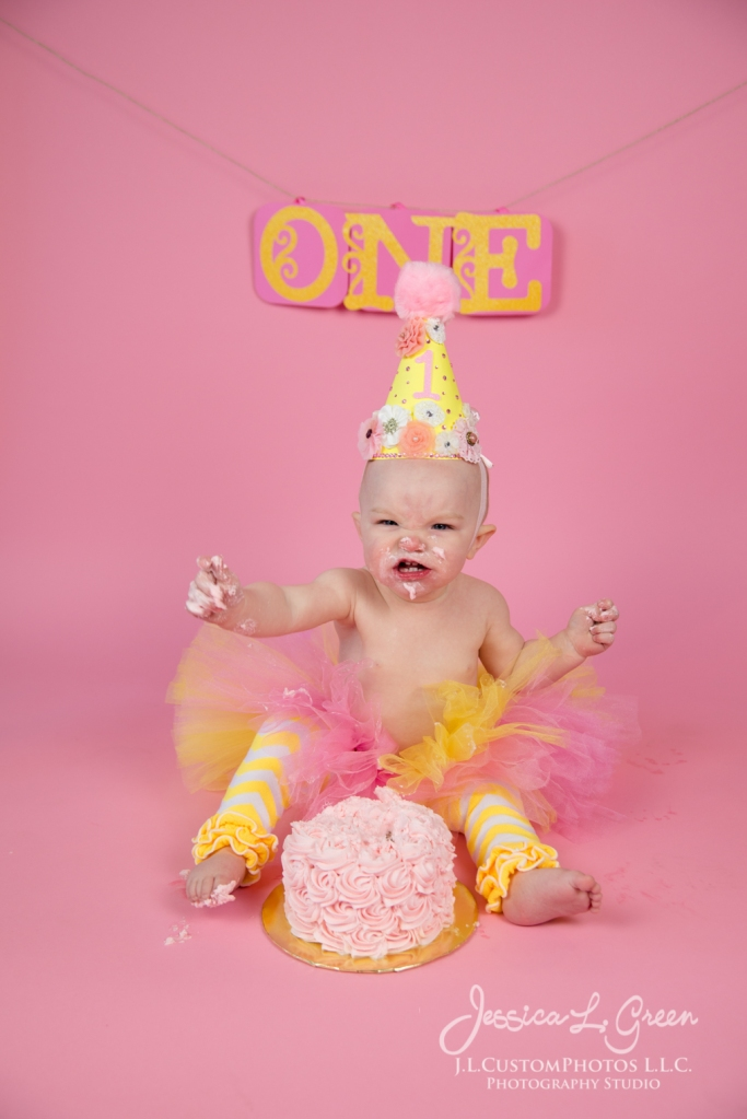 Greenfield, Photographer, J.L.CustomPhotos, Child, Cake Smash, Baby girl, Indiana, one year, portraits-2-9