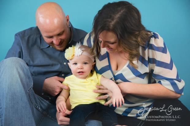 Greenfield, Photographer, J.L.CustomPhotos, Child, Cake Smash, Baby girl, Indiana, one year, portraits-2