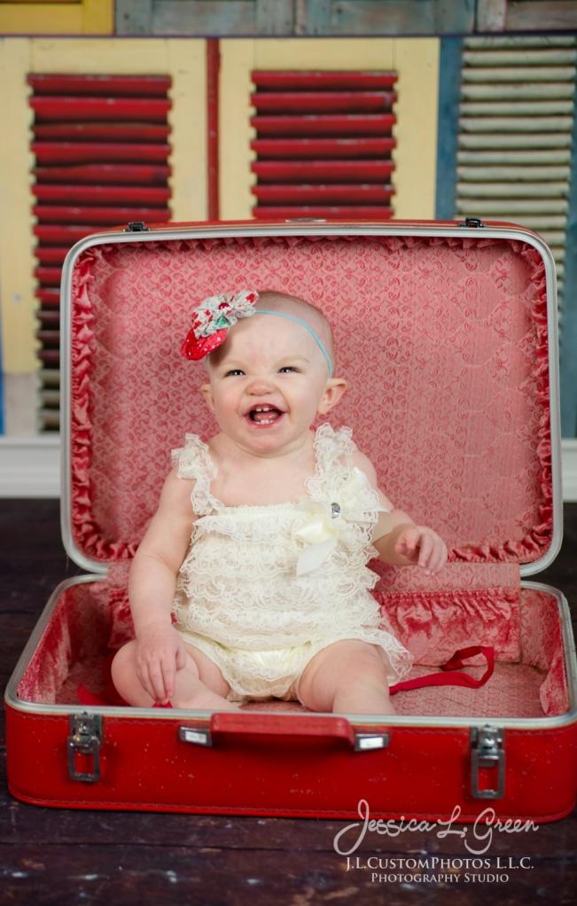 Greenfield, Photographer, J.L.CustomPhotos, Child, Cake Smash, Baby girl, Indiana, one year, portraits-2914