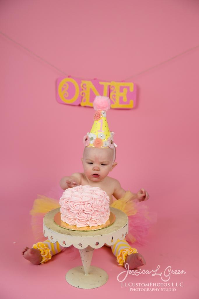 Greenfield, Photographer, J.L.CustomPhotos, Child, Cake Smash, Baby girl, Indiana, one year, portraits-3038