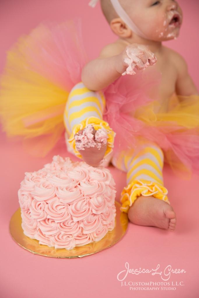 Greenfield, Photographer, J.L.CustomPhotos, Child, Cake Smash, Baby girl, Indiana, one year, portraits-3115