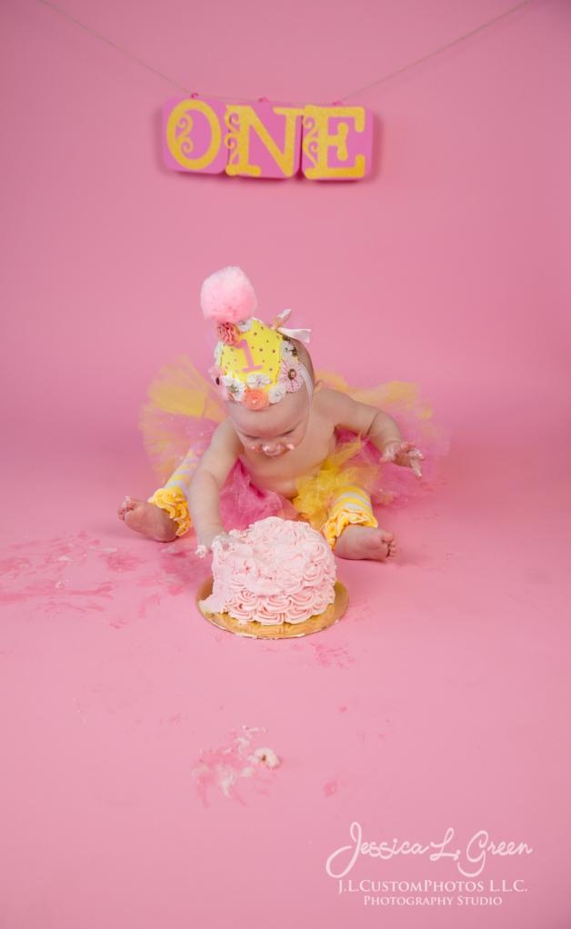 Greenfield, Photographer, J.L.CustomPhotos, Child, Cake Smash, Baby girl, Indiana, one year, portraits-3158