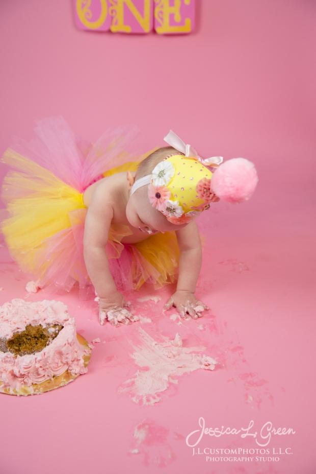 Greenfield, Photographer, J.L.CustomPhotos, Child, Cake Smash, Baby girl, Indiana, one year, portraits-3190