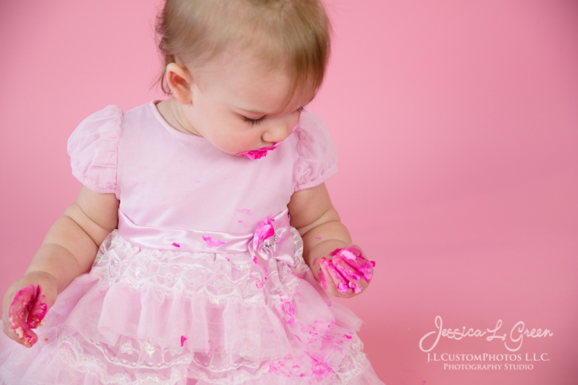 Greenfield, Photographer, J.L.CustomPhotos, Child, Cake Smash, Baby girl, Indiana, one year, portraits, Shelbyville, Knightstown, Pink-2