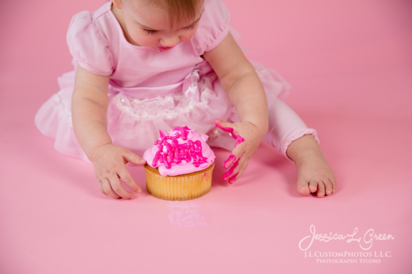 Greenfield, Photographer, J.L.CustomPhotos, Child, Cake Smash, Baby girl, Indiana, one year, portraits, Shelbyville, Knightstown, Pink-2675
