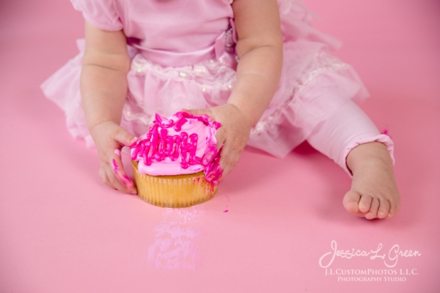 Greenfield, Photographer, J.L.CustomPhotos, Child, Cake Smash, Baby girl, Indiana, one year, portraits, Shelbyville, Knightstown, Pink-2681