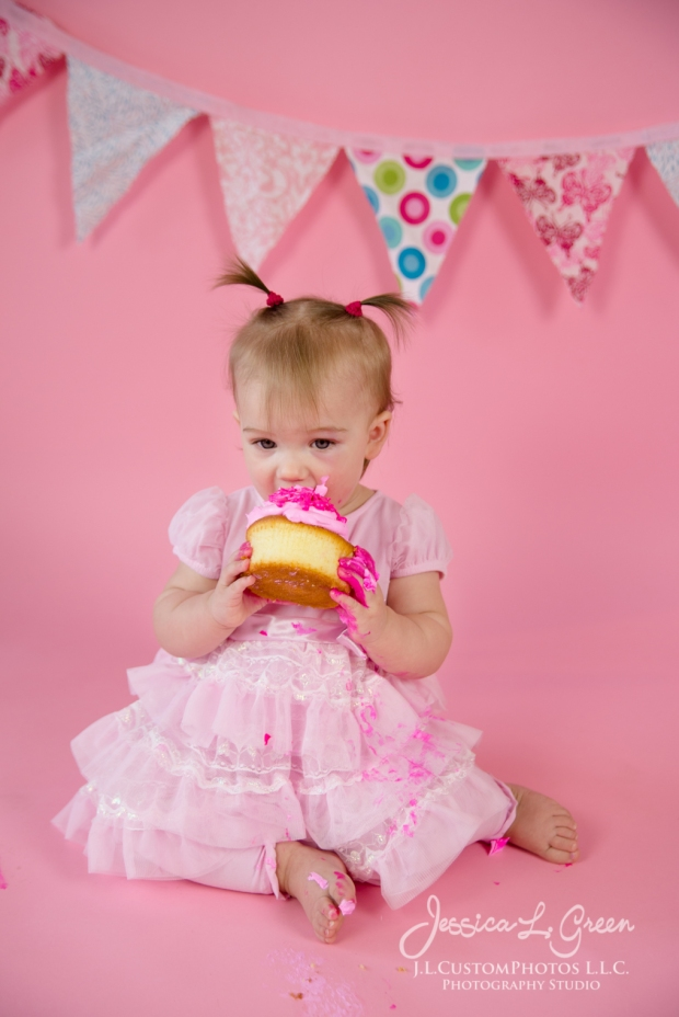 Greenfield, Photographer, J.L.CustomPhotos, Child, Cake Smash, Baby girl, Indiana, one year, portraits, Shelbyville, Knightstown, Pink-2716