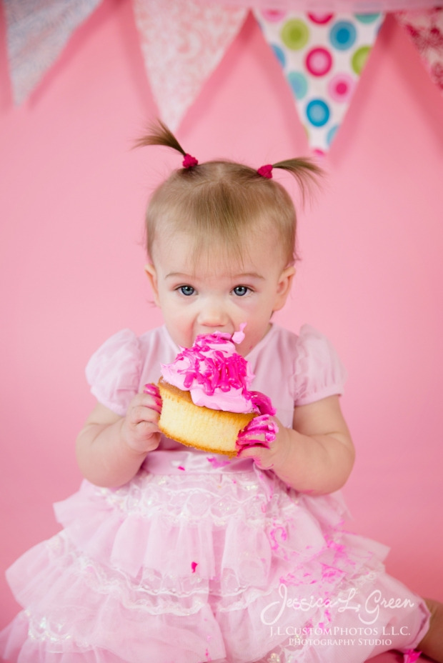 Greenfield, Photographer, J.L.CustomPhotos, Child, Cake Smash, Baby girl, Indiana, one year, portraits, Shelbyville, Knightstown, Pink-2722