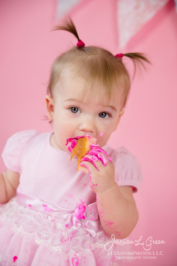 Greenfield, Photographer, J.L.CustomPhotos, Child, Cake Smash, Baby girl, Indiana, one year, portraits, Shelbyville, Knightstown, Pink-2740