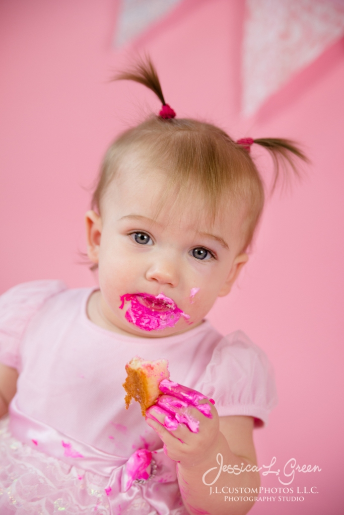 Greenfield, Photographer, J.L.CustomPhotos, Child, Cake Smash, Baby girl, Indiana, one year, portraits, Shelbyville, Knightstown, Pink-2743