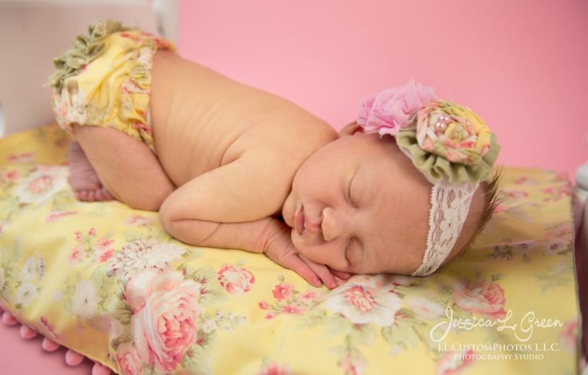 Newborn, Photographer, Greenfield, IN, Indianapolis, Indiana, 46140, Girl, baby, Infant, portraits, J.L.CustomPhotos, Custom, Photos, Jessica Green-8298