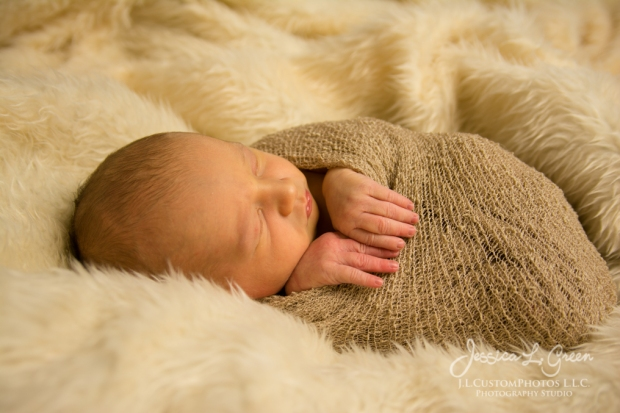 Bryson, newborn, photography, photographer, greenfield, IN, Indiana, Jessica Green, J.L.CustomPhotos, affordable, custom, photos, baby infant, birth (15 of 26)