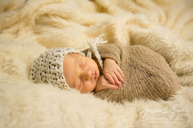 Bryson, newborn, photography, photographer, greenfield, IN, Indiana, Jessica Green, J.L.CustomPhotos, affordable, custom, photos, baby infant, birth (18 of 26)