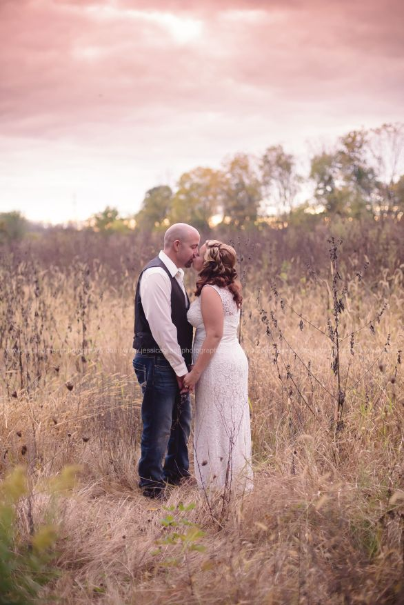 Greenfield, Indiana, Photography, Photographer, Photos, Jessica, Green, Anderson, IN, JLCustomPhotos, Photos, Bride, Groom, Jessica Green, Legler, Jessica Legler, Jessica Green Photography, 46140, Central Indiana, Indianapolis,Outdoor,Field,Fall,Wedding,Bride,Groom,Love,Dress,Lace,kiss