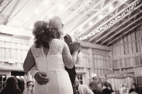 Greenfield, Indiana, Photography, Photographer, Photos, Jessica, Green, Anderson, IN, JLCustomPhotos, Photos, Bride, Groom, First Dance, Barn, Rustic, Lace, Vintage, Jessica Green, Legler, Jessica Legler, Jessica Green Photography, 46140, Central Indiana, Indianapolis