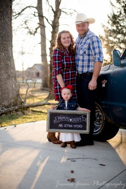 Greenfield, Indiana, Photography, Photographer, Photos, Jessica, Green, Greenfield, IN, JLCustom Photography, Jessica Green, Legler, Jessica Legler, Jessica Green Photography, 46140, Central Indiana, Indianapolis,Outdoor,Fall,Truck,Couple,Family,Engagement,Plaid,Boots,Smiles